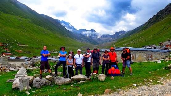 Ordu Doğa Sporları Derneği üyeleri tırmandıkları 3 bin 932 metre yükseklikteki Kaçkar Dağı'nın zirvesine Ordu Büyükşehir Belediyesi ve kulüplerinin flamasını dikti.