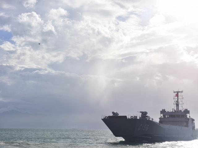 Deniz Kuvvetleri Komutanlığı tarafından gerçekleştirilen 'Şehit Deniz Piyade Er Nurullah Çakır Tatbikatı'nda SAT ve SAS timlerinin fotoğrafları yayınlandı. Film sahnelerini aratmayan tatbikat nefes kesti...
