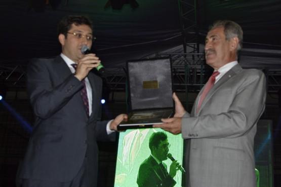Beşiktaş Belediye Başkanı Murat Hazinedar, İstanbul'da yaşayan Ordulu hemşehrileriyle iftar programında buluştu.