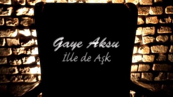 Sevilen sanatçı Gaye Aksu, merakla beklenen yeni klibinin çekimleri tamamlayarak müzikseverlerin beğenisine sundu. Türk müzik kanallarında da yayınlanmaya başlayan 'İlle de aşk' klibi, daha şimdiden en çok izlenenler arasına girmeyi başardı.