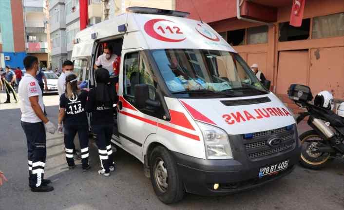 Karabük'te yangında mahsur kalan 3 kişi itfaiye ekiplerince kurtarıldı