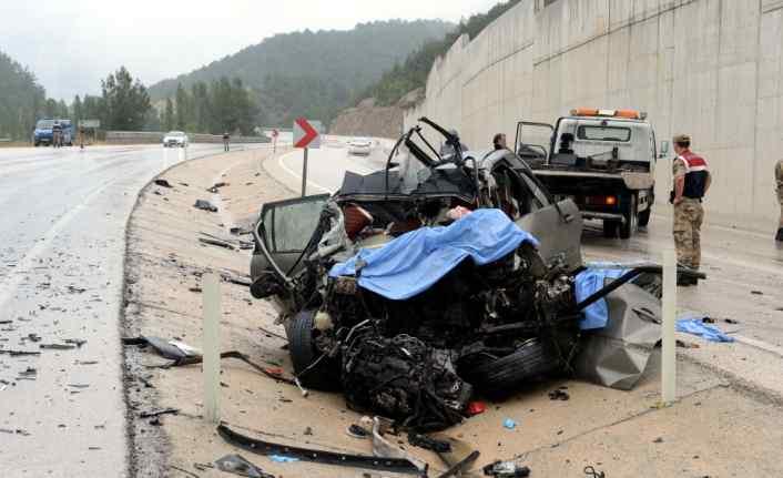 Tokat'ta tır ile otomobil çarpıştı: 3 ölü, 5 yaralı