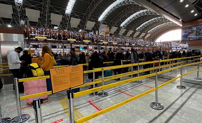 5,4 milyon yolcu havayolunu kullandı