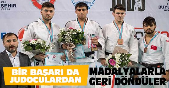 Bir başarı da judoculardan