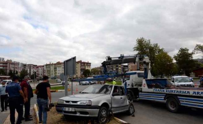 Tokat'ta kamyon ile otomobil çarpıştı: 5 yaralı