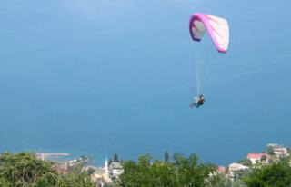 Ordulu paraşütçüler yeniden göklerde