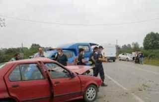 Samsun'da iki otomobil çarpıştı: 1 ölü,...