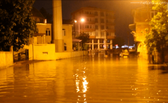 Sağanak yağış Samsun'un fena vurdu