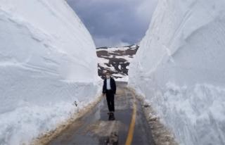 Mayıs ayında 5 metre kar var!